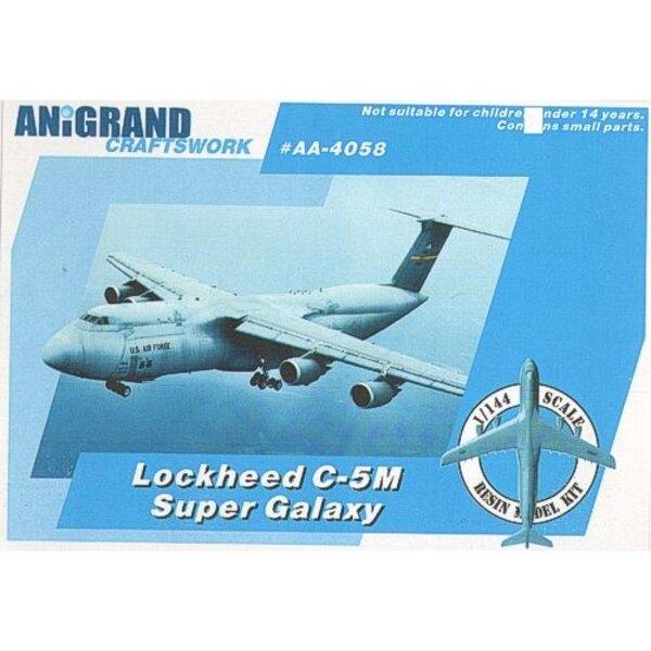 Lockheed C-5M Super Galaxy. Beinhaltet BONUS-Bausätze von Fairchild T-46 Eaglet Cessna O-2A Skymaster & Boeing YUH-61. 1963 bega