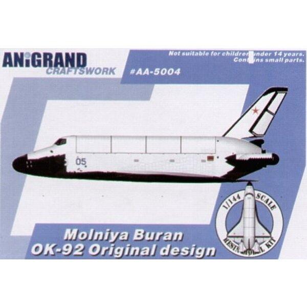 Moln iya Buran, OK, 92 Raumfähre. 1972 genehmigte der amerikanische Präsident Nixon ein Programm, um ein Mehrwegraumfähre-System