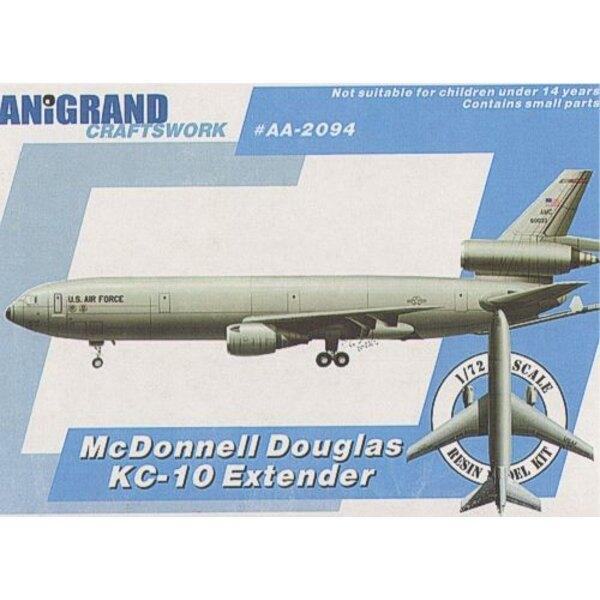 McDonnell Ex-Anerbieten von Douglas KC-10A. Während des Krieges von Vietnam und arabisch-israelischen Krieges der U.S.A.F. C-141