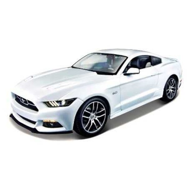 FORD MUSTANG GT 2015 Weiß