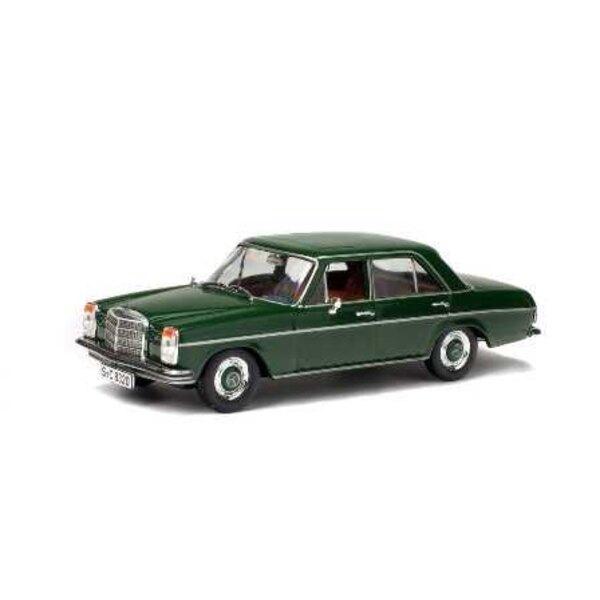 MERCEDES-BENZ 200D GREEN 1968