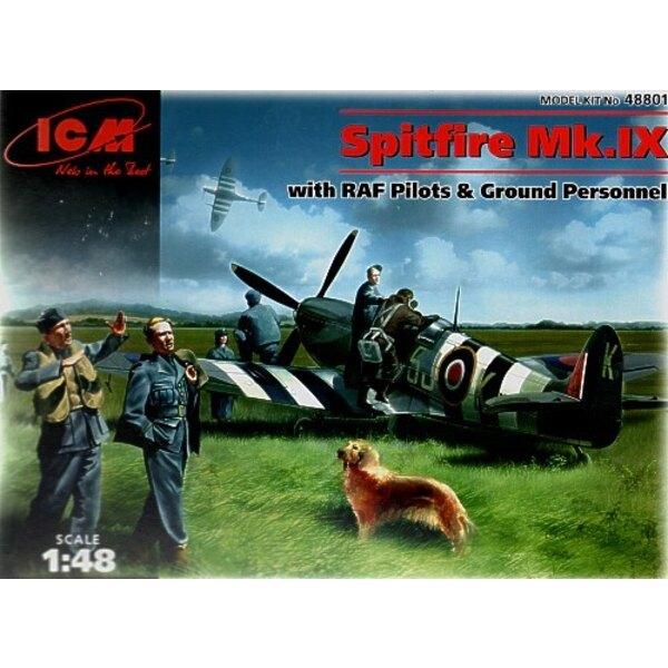 Supermarine Spitfire mit Flugplatz-Ausrüstung von Piloten Ground crew und einem Hund