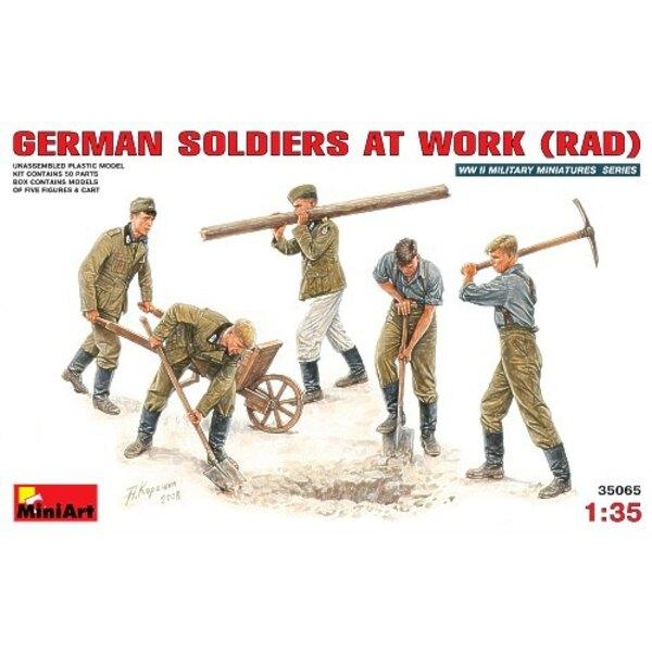5 x 2WK-Deutscher-Soldaten bei der Arbeit