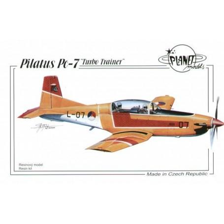 Pilatus Pc-7. Voller Harz-Bausatz eines Trainer-Flugzeuges. Bausatz enthält vacu Kabinendach und Abziehbilder für das holländisc