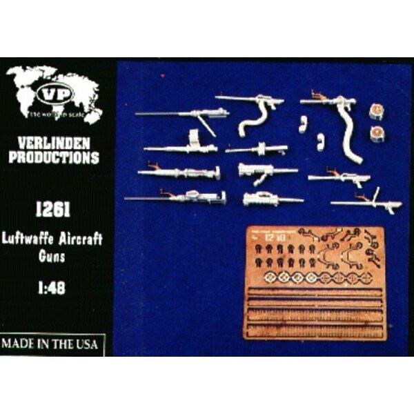 11 geordnete Luftwaffe-Kanonen