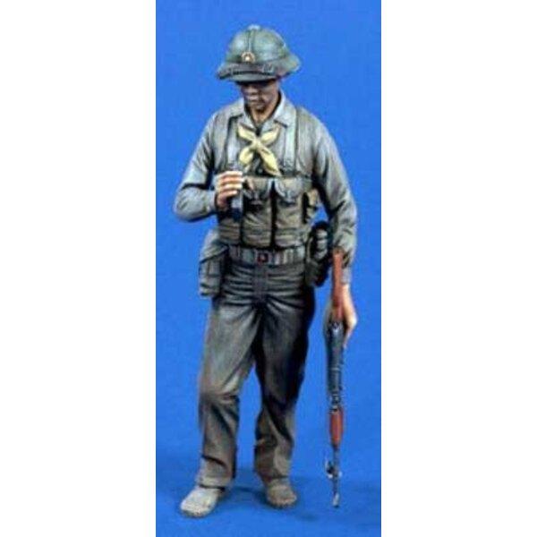 nordvietnamesischer Soldat 120 Mm