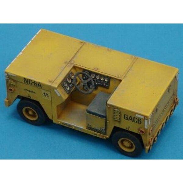 Navyflugdeck-Traktor 1:48