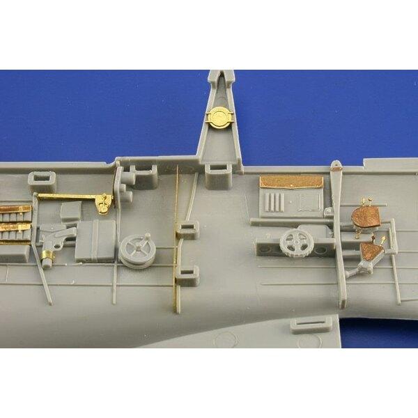 Vorderinterieur von Douglas SBD-1:2 Dauntless in Farben vorgemalt! (für Bausätze von Trumpeter)