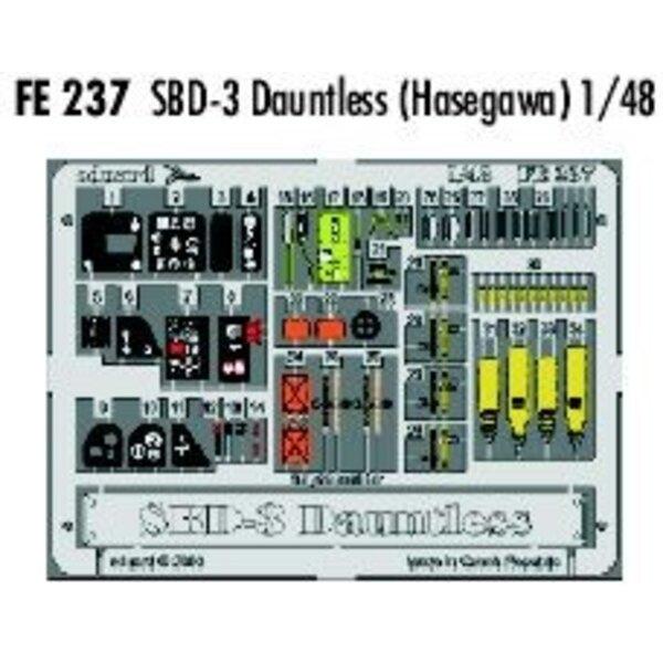 Douglas SBD-3 Dauntless in Farben vorgemalt! (für Bausätze von Hasegawa) Dieser 'Zoom Set' ist eine vereinfachte Version der Sta