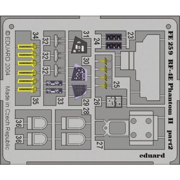 RF-4E Phantom in Farben vorgemalt! (für Bausätze von Hasegawa) Dieser 'Zoom Set' ist eine vereinfachte Version der Standardsätze