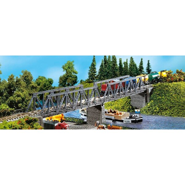 2 Kastenbrücken mit Brückenköpfen
