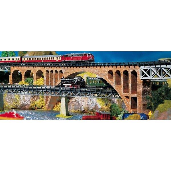 Steinbogenbrücke