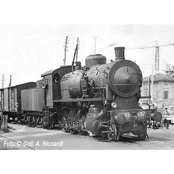 Steam locomotive gr. 740 caprotti with bogie tender, lanterns and small cowcatcher,