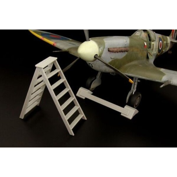 British wheel chock + ladder--PE/resin set (universal)