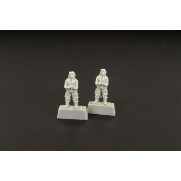Japanese pilot WWII standing figures x 2