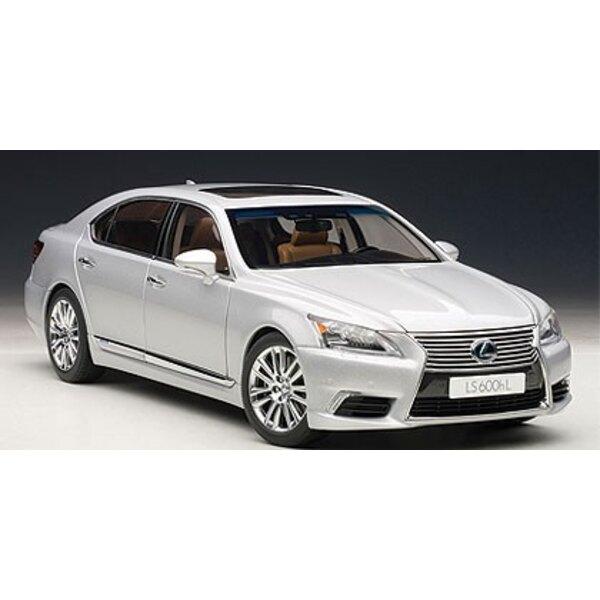 Lexus LS600hL Geld