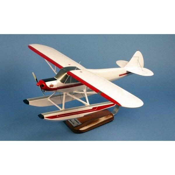 Piper PA-18 Wasserflugzeug
