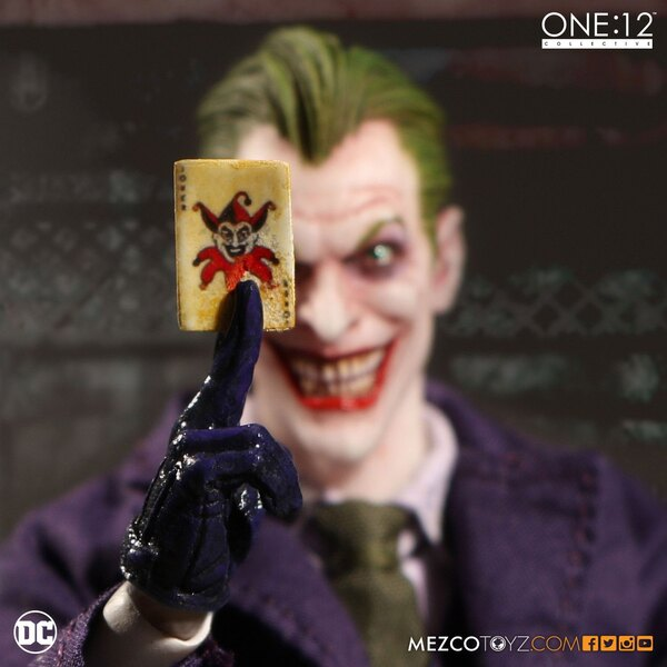 DC Comics Actionfigur 1/12 The Joker 17 cm
