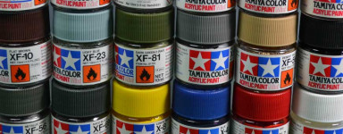 Acryl-Farben